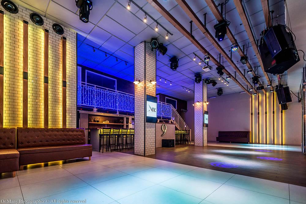 רחבת הריקודים של אולם ניין אירועים